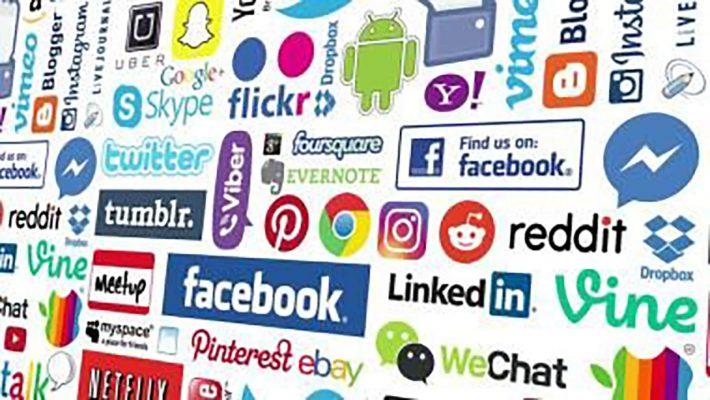 How to Upload Logos for Social Media